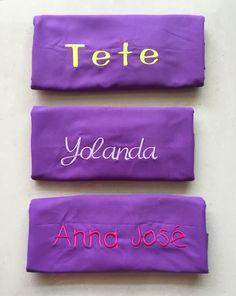 #ToallasQuickDry Letra amarillo Neon, lila y rosa.
