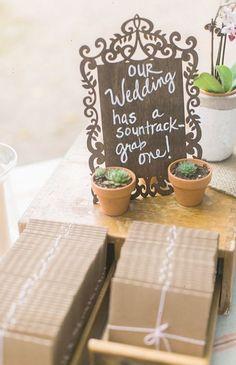 Wedding soundtrack and succulent favors @weddingchicks