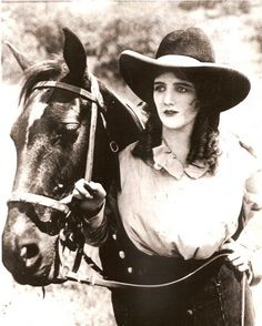 OLIVE CAREY - actress/wife of Universal Pictures' silent western star Harry Carey. Hollywood Stars, Old Hollywood, Harry Carey, Actor Secundario, Western Movies, Western Film, Vintage Cowgirl, Silent Film Stars, Thing 1