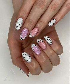 Newest Nail Art Designs To Try in 2020 - The Effective Pictures We Offer You About minimalist challenge A quality picture can tell you many - Nail Design Stiletto, Nail Design Glitter, New Nail Art Design, Nail Art Designs, Latest Nail Designs, Nails Design, Glitter Nails, Design Art, Nail Art Cute