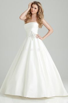 Well-Made Strapless Empire Beading Brush Train Ball Gown Wedding Dress for Summer and Brides