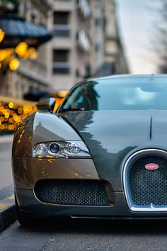 thevisualrepublic:  Veyron in Paris | Copr. | Republic