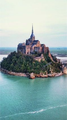 Places you have to visit in France! Beautiful Castles, Beautiful Buildings, Beautiful Places, Ancient Architecture, Beautiful Architecture, Vacation Places, Places To Travel, Great Places, Places To See