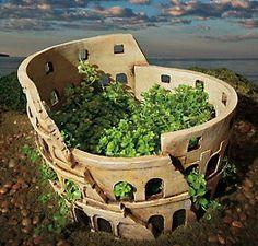Colosseum Planter
