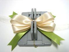 Mini Bowdabra perfect bow maker - tutorial