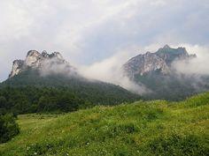 Rozsutec at storm weather. Mount Rainier, Weather, Mountains, Nature, Travel, Naturaleza, Viajes, Destinations, Traveling