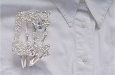 """""""Roots of the soul""""by Elisabeth Habig. Elisabeth, Simple, Brooches, Roots, Jewelry, Fashion, Jewel, Moda, Jewlery"""