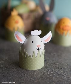 Decorate your own easter egg with the kid friendly DIY easter egg decoration tutorial. Make 4 fun baby animals!