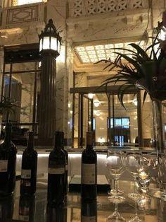 The Bank Brasserie & Bar à Vienne ©JoliVoyage / @thebankvienna @parkhyatt @thebankbrasseriebar #vienne #Wien #Vienna #tourisme #voyage @_Autriche_ @ViennaInfoB2B Bar, Home Decor, Vienna, Brewery, Pretty, Tourism, Art Deco, Decoration Home, Room Decor