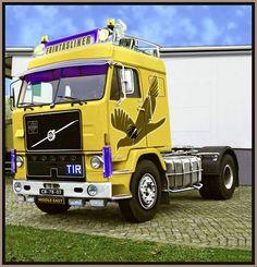 VOLVO .....TRUCK Cool Trucks, Cool Cars, Truck Store, Old Lorries, Truck Paint, Semi Trailer, Volvo Trucks, Vintage Trucks, Classic Trucks