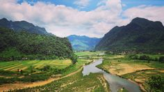 Phong Nha 👉🏽 Khe Sanh  I don't think I'll ever get over these kinds of views 🙌🏽  #movedbylife #travel #travellife #travelasia #vietnam #motorbikevietnam #scenicview #mountains #freebirdflow #freebirdflowtravel