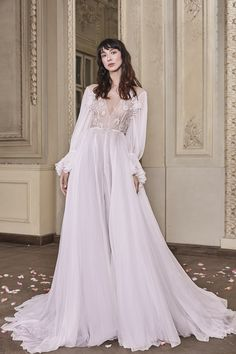 Marie Wedding Gown #MarieWeddingGown #OtiliaBrailoiuAtelier #weddingdress #AnUntoldPoem