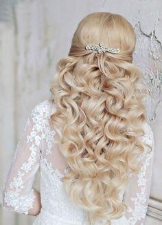Glamorous Wedding Hairstyles with Elegance Elegant wedding hairstyle; Romantic Wedding Hair, Glamorous Wedding, Mod Wedding, Trendy Wedding, Best Wedding Hairstyles, Bride Hairstyles, Down Hairstyles, Hairstyle Wedding, Hairstyle Ideas