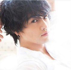 Takumi Saito Beautiful Person, Beautiful People, Japanese Men, Androgynous, Actors & Actresses, Hot Guys, Singer, Poses, Entertainment