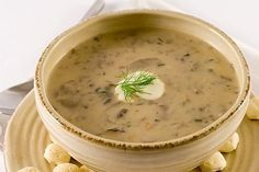 Easy, Healthy Weight Watchers Creamy Potato Mushroom Soup Recipe with nutritional information and Smart Points Plus Mushroom Barley Soup, Mushroom Soup Recipes, Plats Weight Watchers, Weight Watchers Meals, Ww Recipes, Cooking Recipes, Healthy Recipes, Creamed Mushrooms, Stuffed Mushrooms