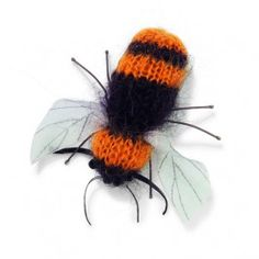 Free Bumble Bee Knitting Pattern : 1000+ images about knitted toy patterns on Pinterest Knitting patterns, Per...