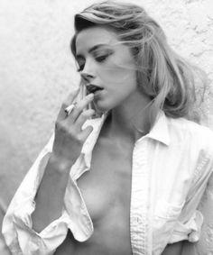 Amber Heard #smoking #cigarette