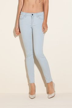 I've found some cool women's denim at Guess today! And my favorite is the BRITTNEY ANKLE SKINNY SNAKE-DETAIL JEANS IN GARTER WASH. The ankle-length version of our classic skinny, this five-pocket fit caters to a variety of body types. Its medium-rise, contoured waistband holds in your body for the perfect fit. The embroidered snake detail on the back pockets adds edge to these sexy skinnies. No wonder Guess is one of the leading fashion brand…