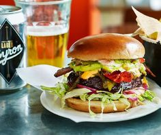Hamburger, Ethnic Recipes, Food, Essen, Burgers, Meals, Yemek, Eten