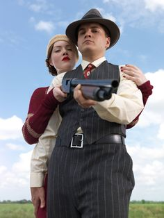 Hallowen Costume Couples Bonnie and Clyde miniseries History channel, December Bonnie And Clyde 2013, Bonnie And Clyde Photos, Gangster Wedding, Gangster Party, Bonnie Parker, Bonnie And Clyde Halloween Costume, Holliday Grainger, Hallowen Costume, History Channel