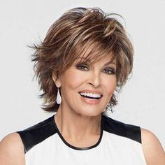 90 Classy and Simple Short Hairstyles for Women over 50 Raquel+Welch+short+shag+hairstyle Short Shag Hairstyles, Short Layered Haircuts, Mom Hairstyles, Short Hairstyles For Women, Gorgeous Hairstyles, Hairstyle Ideas, Pixie Haircuts, Layered Hairstyles, Haircut Short