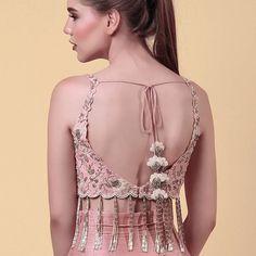 On Mondays - put your best back forward Saree Blouse Neck Designs, Fancy Blouse Designs, Bridal Blouse Designs, Indian Gowns Dresses, Stylish Sarees, Dress Indian Style, Indian Designer Outfits, Beautiful Blouses, Long Blouse