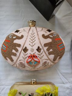 Refreshing Brands For Women Clutches, Brides-To-Be Should Swear By! Leather Accessories, Women Accessories, Fashion Accessories, Leather Clutch, Clutch Bag, Bangle Box, Potli Bags, Ethnic Bag, Handbag Stores