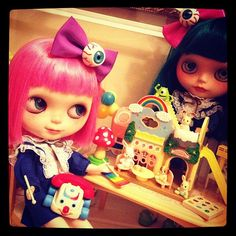 #blythe #dollhouse   #rement #miniature ~my girls are having fun in the house~ - @petiteasy- #webstagram
