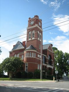 Dooly County Courthouse in Vienna, Georgia by ParkHaven13, via Flickr (Photo Credit: James Newberry)