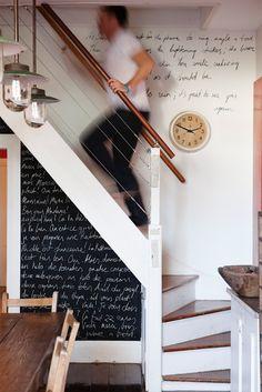 Sous l'escalier posted byL'Art de la Curiosité