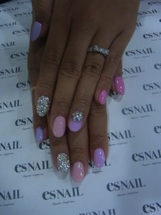 Love these bling nails ...