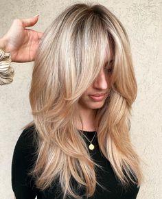 Caramel Blonde Hair, Ash Blonde, Blonde Honey, Honey Hair, Layered Haircuts With Bangs, Haircut Layers, Long Hairstyles With Layers, Long Layered Bangs, Long Bob Haircut With Layers