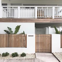 Today I realised that it's about a year since I first visited but back then it was still a building site, and… Fence Gate Design, Modern Fence Design, House Gate Design, Front Courtyard, Backyard, Patio, Outdoor Living, Outdoor Decor, Facade House