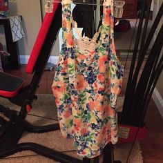 Flower tank top Brand new!! Never worn! Ordered online from a boutique. Evadette Boutique Marineblu Tops Tank Tops