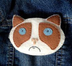 Grumpy Cat Brooch Ragdoll Kitty Felt Pin Angry Cat Meme