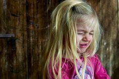 Hnev ťažko ovládajú aj mnohí dospelí, no pre deti to je ešte náročnejšie. Aj prostredníctvom nasledujúcich hier a aktivít môžete deťom pomôcť pracovať s ich pocitmi a zvládať ho lepšie.
