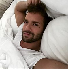 Oda a los bíceps de Pablo Alborán | Shangay Gorgeous Men, The Dreamers, I Am Awesome, Eye Candy, Crushes, Handsome, Celebs, Guys, My Love