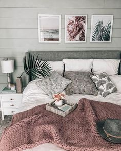 chunky knit blanket ON SALE! cozy beachy bedroom chunky knit blanket ON SALE! Home Decor Bedroom, Master Bedroom, Grey Wall Bedroom, Baby Bedroom, Girls Bedroom, Rustic Grey Bedroom, Bedroom Decorating Ideas, Bedroom Wall Art Above Bed, Green And White Bedroom
