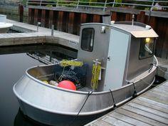 John Dearden of Dearden Marine in Gibsons British Columbia builds custom aluminum mini-tugs. Fabricators of aluminum sailboats, aluminum power boats. They offer a full custom aluminum yacht builder service on BC's Sunshine Coast. Cool Boats, Small Boats, Tiny Boat, Yacht Builders, Boat Projects, Aluminum Boat, Yacht Boat, Tug Boats, Boat Design
