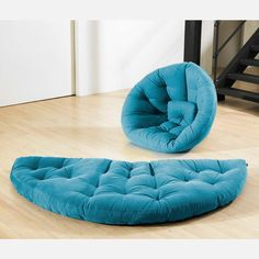 Nest Large Blue - Super fun chair, looks cozy.