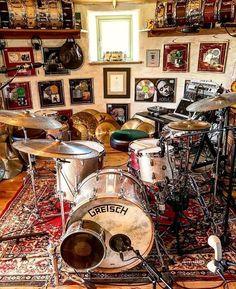 42 best ideas for music studio garage vintage modern Drums Studio, Music Studio Room, Home Music Rooms, Espace Design, Gretsch Drums, Drum Room, Drums Art, Drum Music, Recording Studio Home
