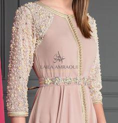 Abaya Fashion, Muslim Fashion, Fashion Dresses, Little Girl Dresses, Girls Dresses, Designer Party Wear Dresses, Moroccan Caftan, Frocks, Gowns