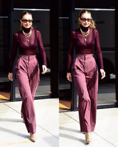 October 2019 - Gigi Hadid leaving her apartment in NYC. 💜 📸: - October 2019 – Gigi Hadid leaving her apartment in NYC. 💜 📸: October 2019 – Gigi Hadid leaving her apartment in NYC. 💜 📸: from weheartit Classy Outfits For Women, Office Outfits Women, Casual Dresses For Women, Outfits Otoño, Stylish Outfits, Fashion Outfits, Fashion Ideas, Fashion Clothes, Summer Outfits