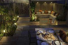 Veilig met licht van In-lite Bollard Lighting, Outdoor Lighting, Small Garden Design, Small Space Gardening, Garden Bed Layout, Backyard Paradise, Exterior, Cool Landscapes, Raised Garden Beds