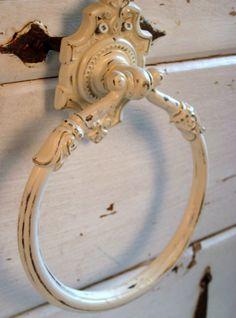 Vintage metal towel holder bathroom decor  by jensdreamvintage, $22.50
