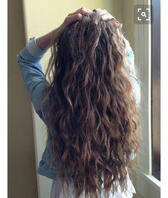 Hair hair styles hair color hair cuts hair color ideas for brunettes hair color ideas Brown Wavy Hair, Long Curly Hair, Perms For Long Hair, Wavy Hair With Layers, Long Layered Hair Wavy, Brown Curls, Beach Wavy Hair, Dark Hair, Long Wavy Layers