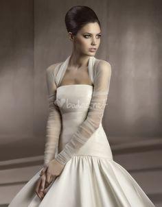 Pronovias Wedding Jackets - Style CHAQUETA LA 152 Wedding Shrug f43fea8636ff