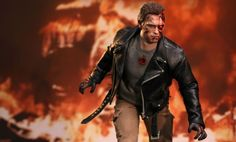 Hot Toys T-800 Battle Damaged Version Sixth Scale Figure: sideshowtoys.com
