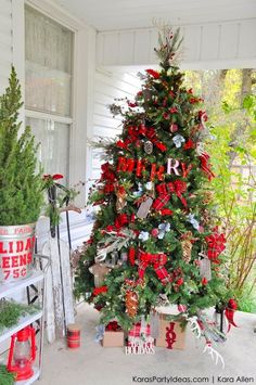 Rustic Plaid Farm House | Cabin Christmas Tree by Kara Allen | KarasPartyIdeas.com for Michaels #MichaelsMakers Holiday Dream Tree Challenge