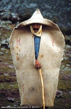 Turkish kepenek -wearable tent/cloak, weighs up to 12 lbs. A Turkish traditional shepherd's outer garment, made of felt. Mode Bizarre, Folklore, People Around The World, Around The Worlds, Folk Costume, Costumes, Costume Ethnique, Tableaux Vivants, Wooly Bully